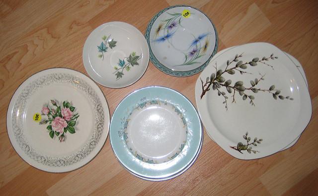 Hang Vintage Plates