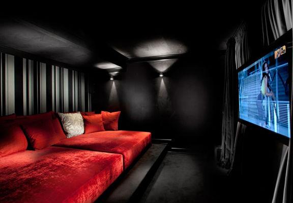 Black Room_opt