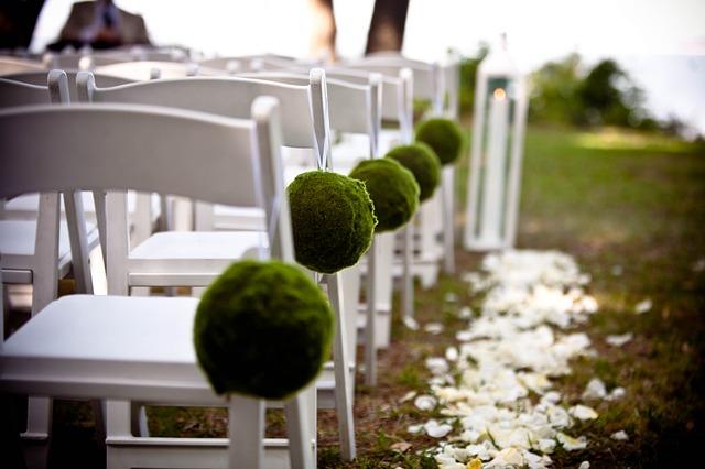 Garden wedding decoration 13 budget friendly ideas home design key garden wedding decoration junglespirit Gallery