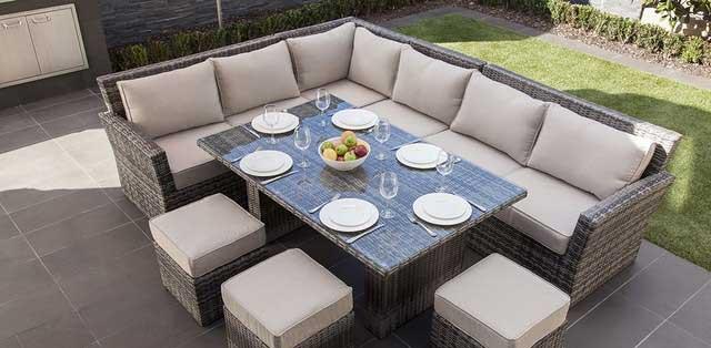 Cozy Outdoor Lounge