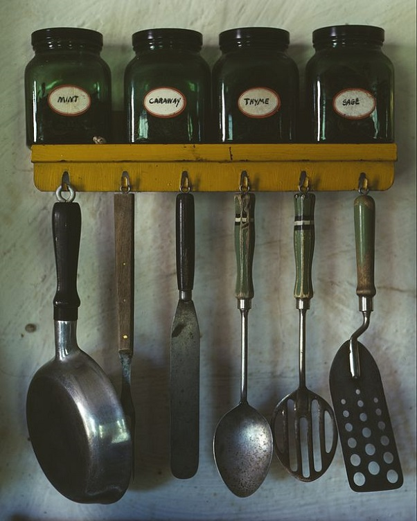 Utensils with hooks