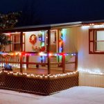 outdoor-christmas-decorating