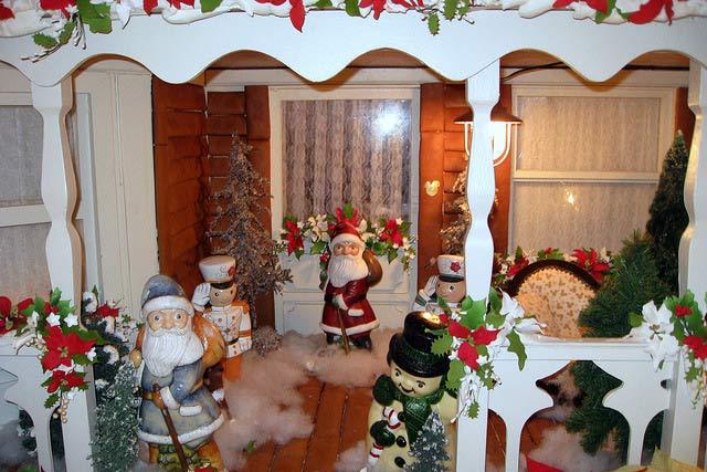 santa porch decoration
