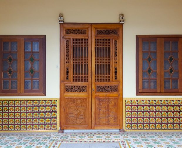 How Latest Wooden Doors Enchant The Entrance To Your Home